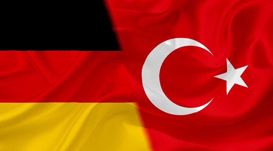 Almanya: Erdoğan konuşursa, konsolosluğa müdahale ederiz