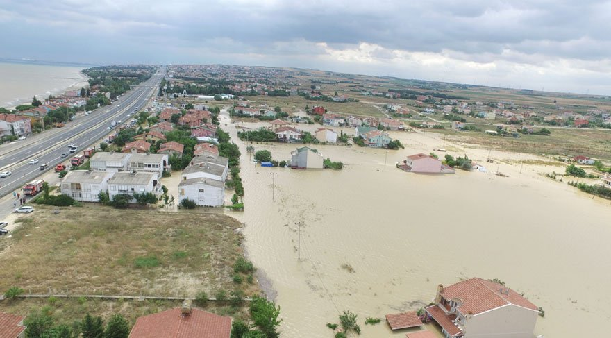 Silivri Gümüşyaka'da 200'ü aşkın evi su bastı