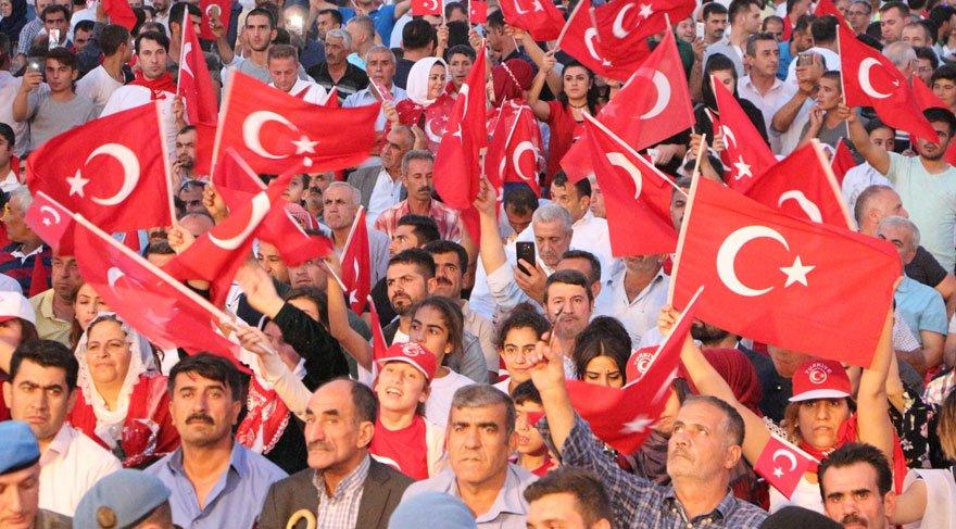 Şırnak'ta polis, asker ve vatandaşlar birlikte yürüdü