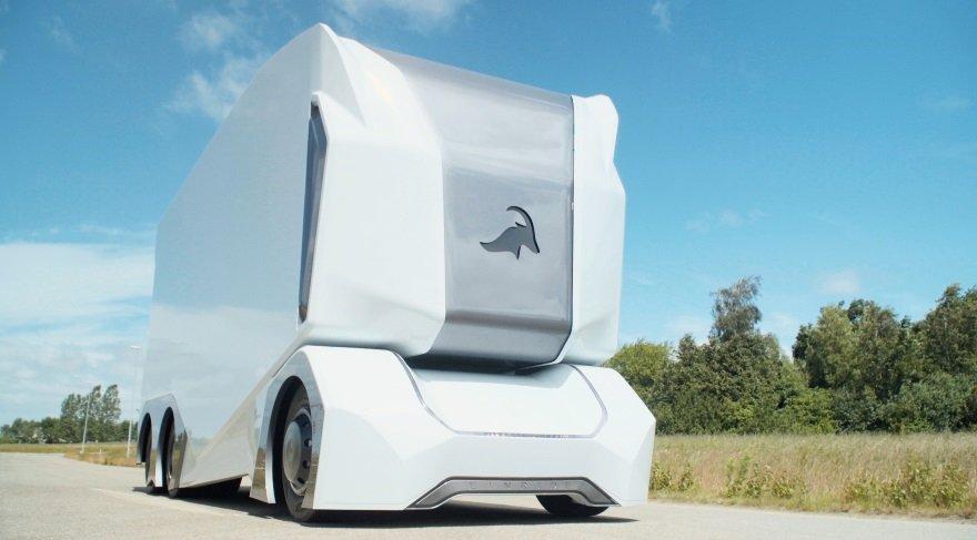 sozcu-futuristik-soforsuz-elektrikli-kamyon-1