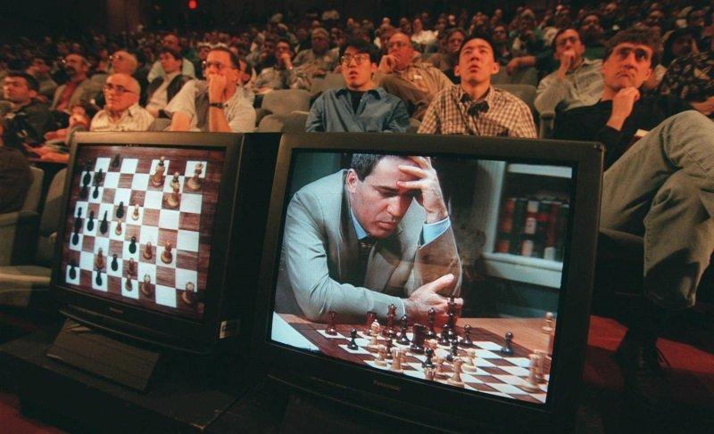 Satranç şampiyonu Kasparov: Yapay zekayı kucaklamalıyız