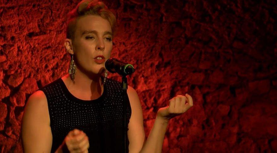 Fransız şarkıcı Barbara Weldens şarkı söylerken öldü!