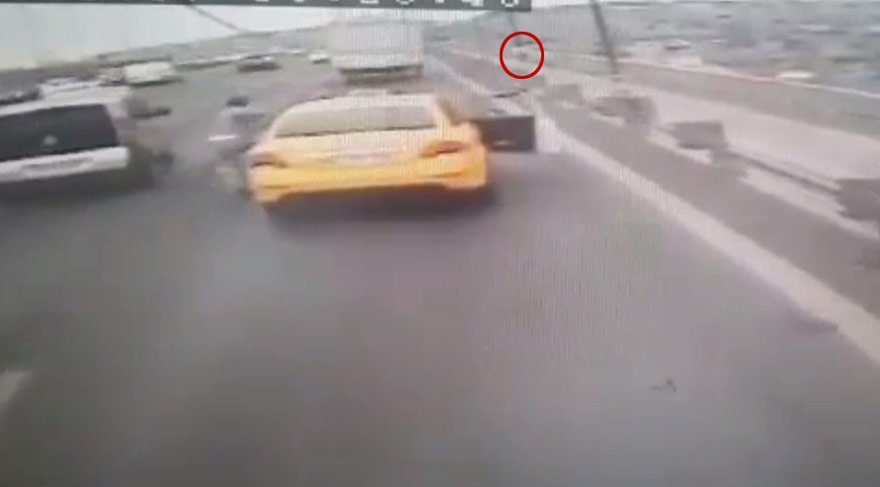 İntihar için geldi… Taksi köprüde durmayınca aşağı atladı…