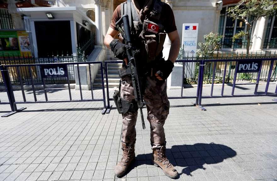 Demokrasi Şöleni için Taksim'e akın ettiler