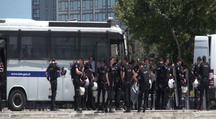 Beyoğlu'nda güvenlik önlemleri alındı