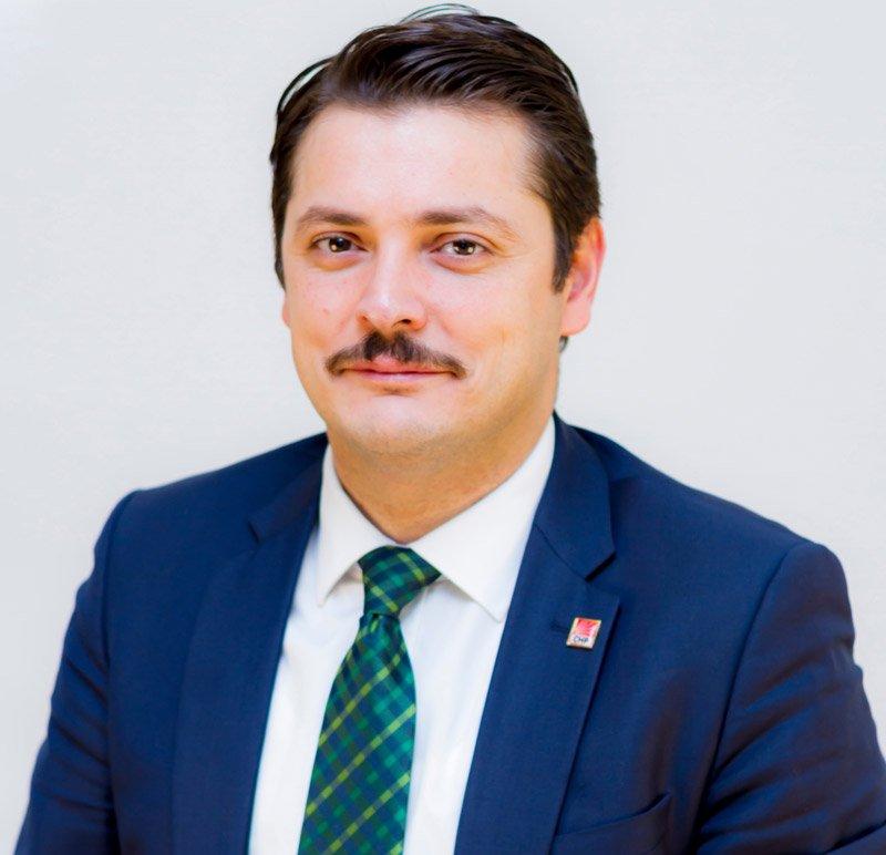 """CHP Beylikdüzü İlçe Başkanı Taşkın Özer """"Saldırının siyasi içerikli olduğunu sanıyorum"""" dedi."""