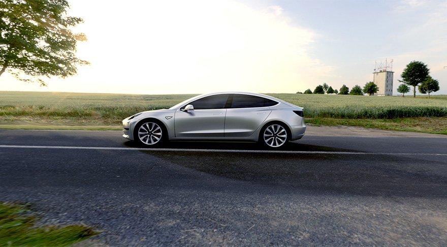 Elon Musk sosyal medya hesabından paylaştı. İşte karşınızda Tesla Model 3!