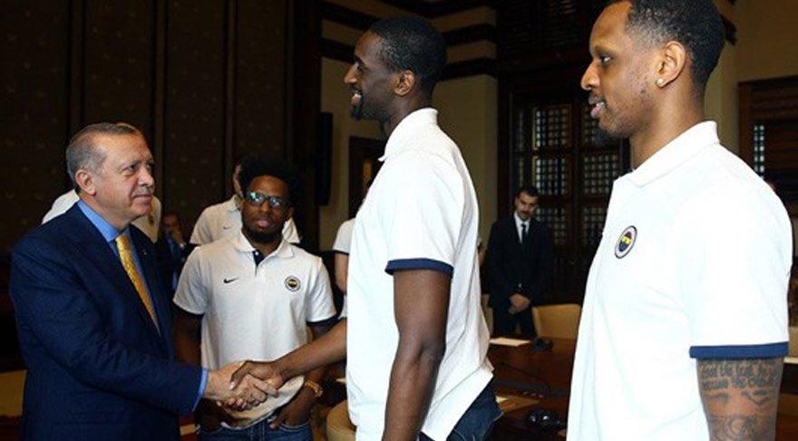 ABD'li yıldız basketbolcudan AK Saray açıklaması