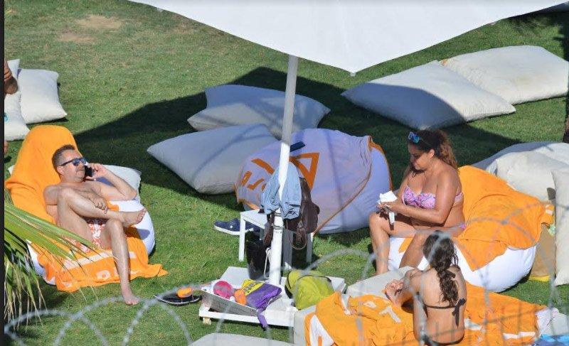 Erkan Can, ailesi ile Bodrum'da tatilde