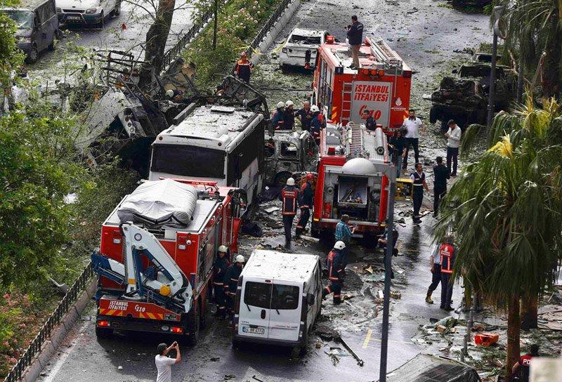 FOTO:Reuters - 7 Haziran 2016'da Vezneciler'de düzenlenen saldırıda 12 kişi şehit olmuştu.