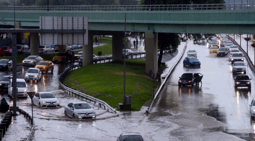 Son dakika haberi... İstanbul'da 18 Temmuz afeti! İşte açıklamalar eşliğinde yağmur alarmında son durum...