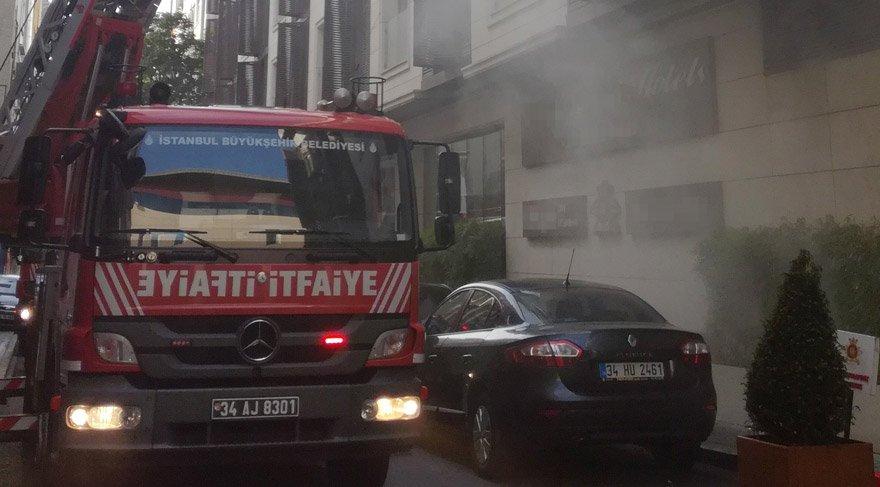 Fatih'te turistik otelde yangın