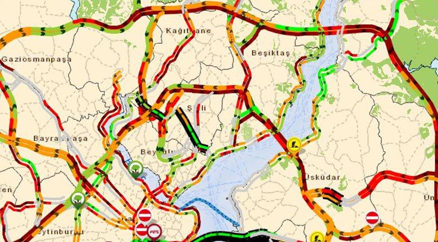 İstanbul trafik durumu nasıl? Yağmur ve dolu trafiği nasıl etkiledi?