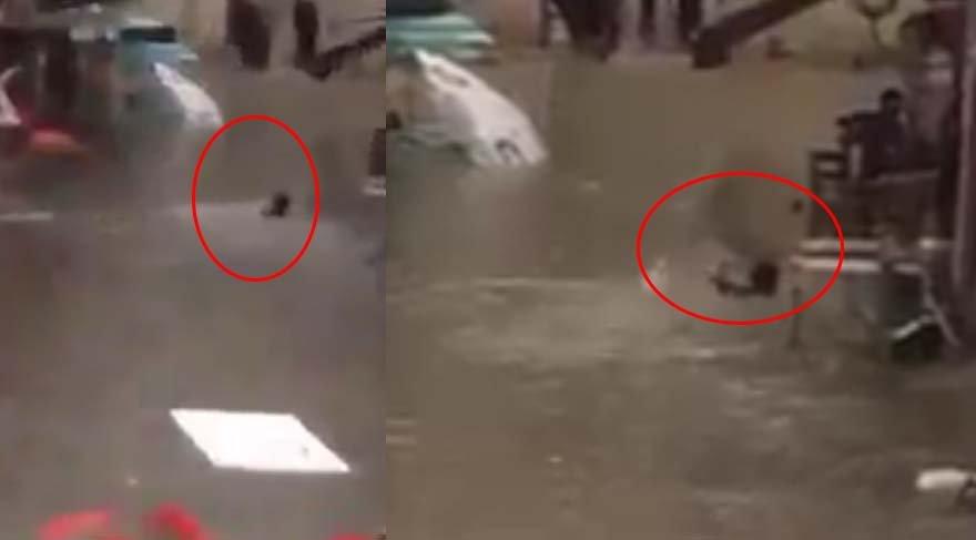 İstanbul'da yağmurda yüzme keyfi!