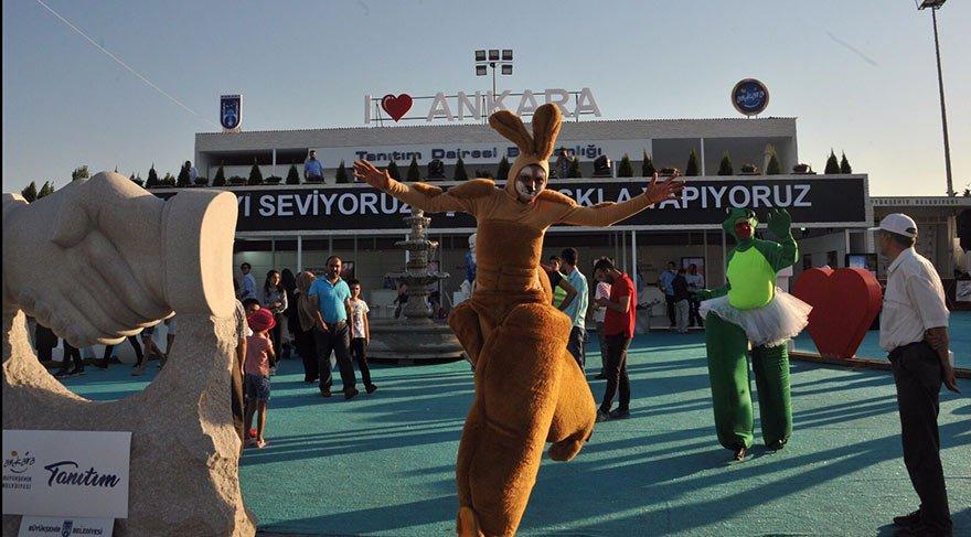 30 Ağustos kutlamaları yasak, festival serbest