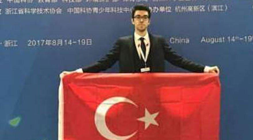 Türk öğrenci Çin'de dünya birincisi oldu