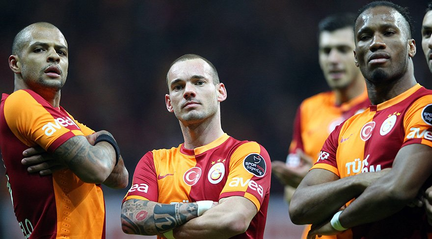 Galatasaray, Ünal Aysal'ın başkanlığı döneminde Sneijder ve Drogba gibi yıldız futbolcuları kadrosuna katmıştı