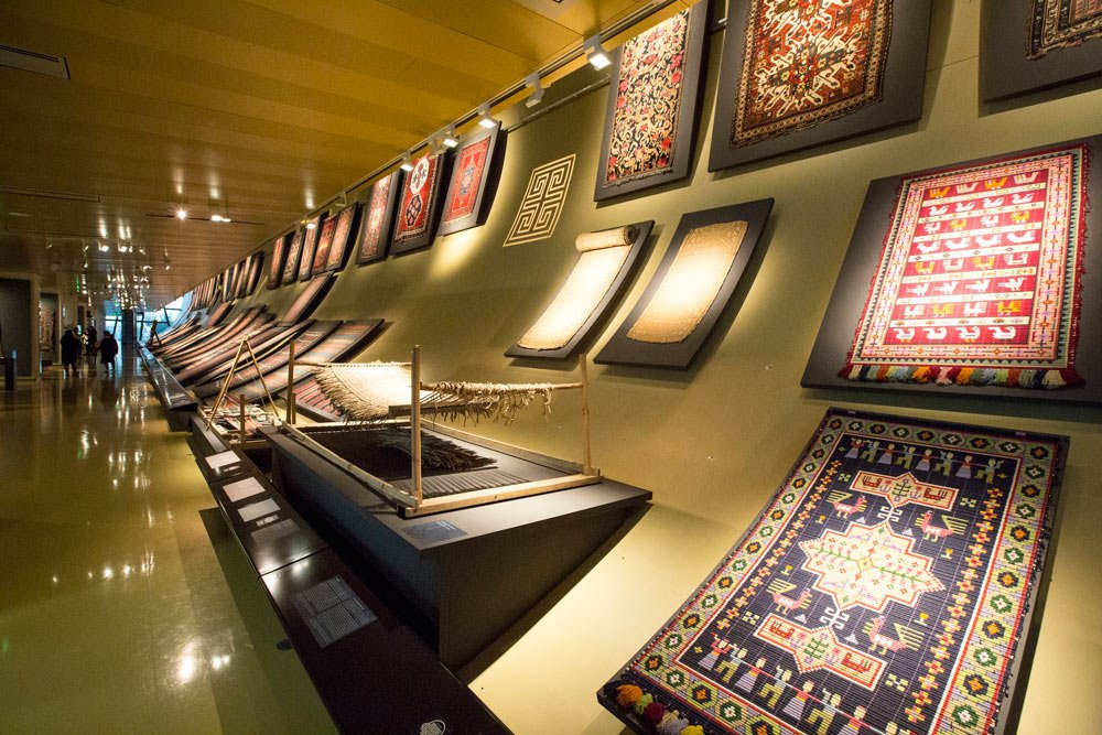 Müzede altı binden fazla halı bulunuyor...