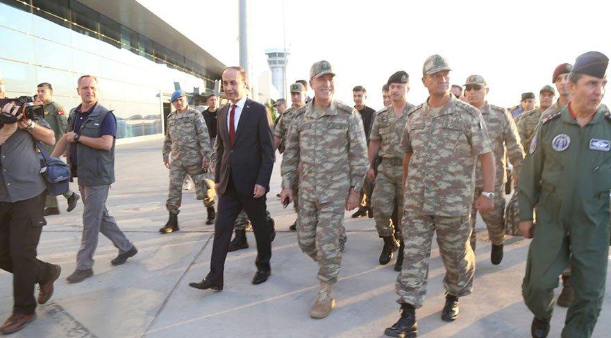 Genelkurmay Başkanı Hulusi Akar'dan sınıra sürpriz ziyaret