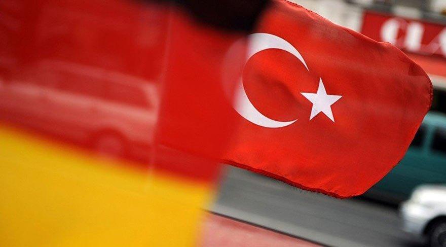 Alman vatandaşı, 4 aydır Türkiye'de gözaltında tutuluyor