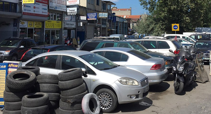 Maslak Atatürk Oto Sanayii'de bakıma gelen araçlardan park edecek yer kalmadı.