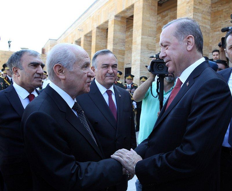 FOTO:İHA - Erdoğan'ın törende MHP lideri Bahçeli ile sıcak sohbeti dikkat çekti.