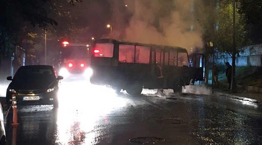 Beşiktaş'ta minibüs alev alev yandı!