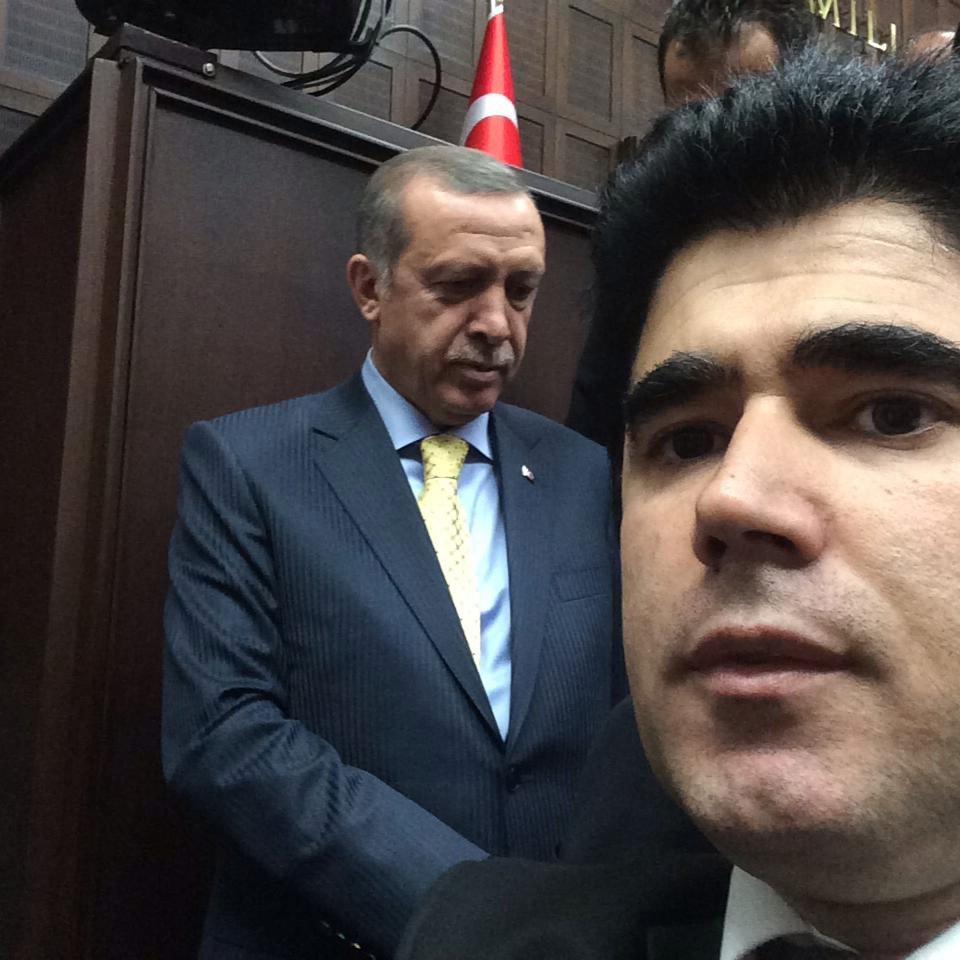 FOTO:DHA - Adil Esen, sosyal medya hesabından, Erdoğan'la çekilmiş bu fotoğrafını da paylaştı.