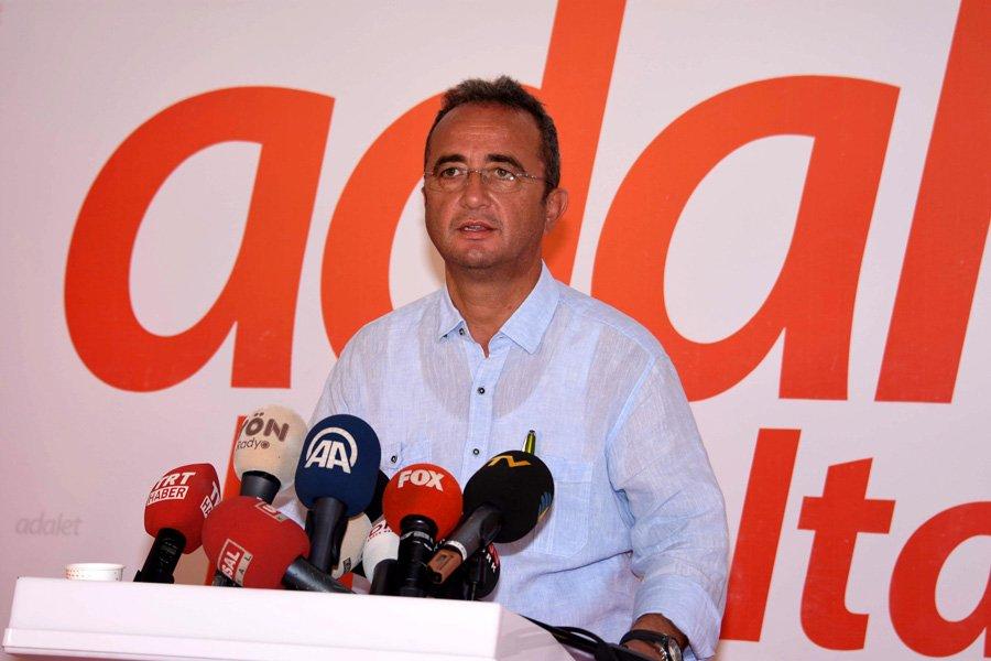 FOTO:DHA - Bülent Tezcan, şahısların ihraç edileceğini açıkladı.