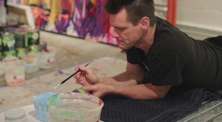 Jim Carrey kendisini resme verdi