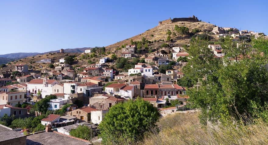 Yunan adalarına giden Türkler kesenin ağzını açtı
