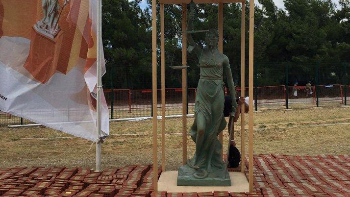 Adalet Kurultayında 'Adalet Anıtı' inşa ediliyor
