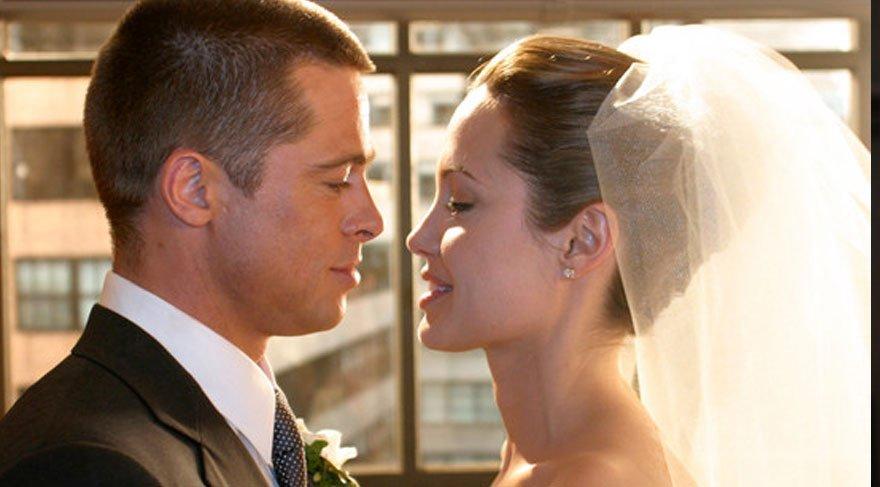 Angelina Jolie ve Brad Pitt'in ilişkisi resmi olarak sona erdi