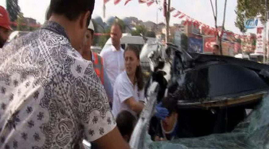 Kamyoneti arıza yapan genç kadın yardım beklerken can verdi
