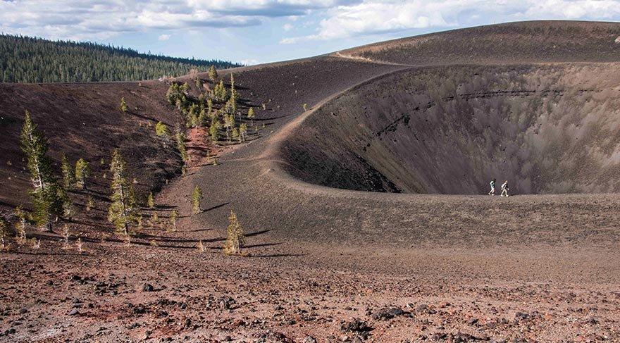 Lassen Volkanik Parkı'nın özel coğrafyası