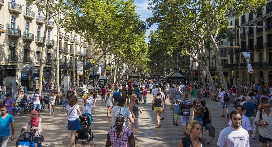Barcelona tek başına 9 milyar dolar turizm geliri elde ediyor