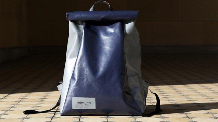 Mülteci yeleği tasarım çanta oldu