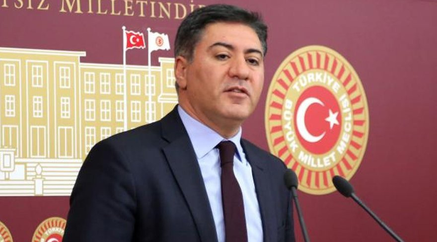 "FOTO:DHA - CHP Ankara Milletvekili Murat Emir ise Meclis'e ""Ankara'nın içme suyuna el koyun"" çağrısı yaptı."