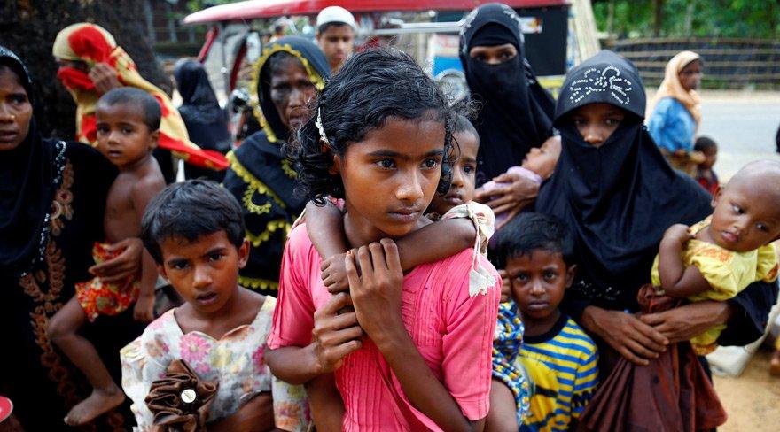 Onbinlerce Müslüman Myanmar'ı terk ediyor