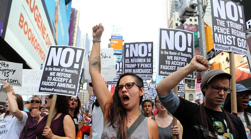 Trump'ın tatili zehir oldu: Irkçı saldırı sonrasında ABD karıştı