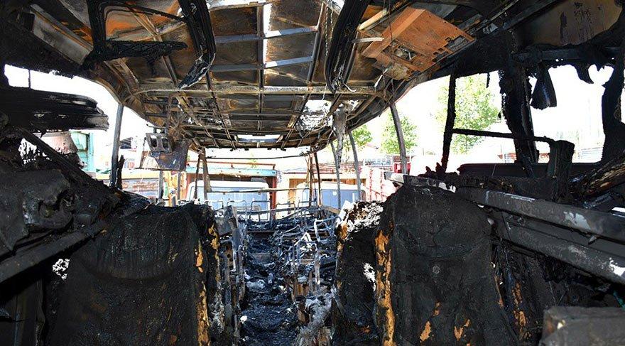 46 yolcunun bulunduğu otobüs alev alev yandı