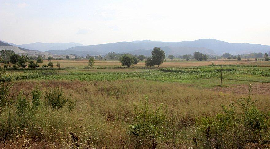 Binlerce dönüm tarım alanı ekilmiyor