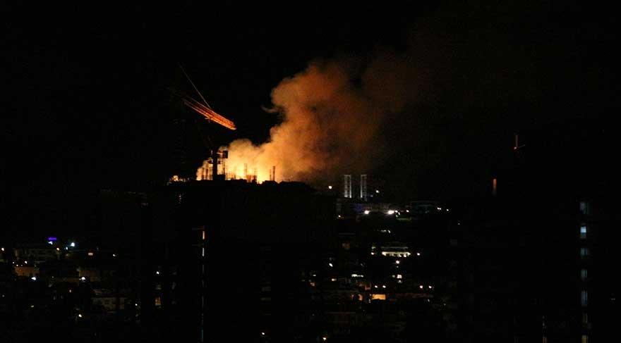33 Katlı binanın çatısı yandı