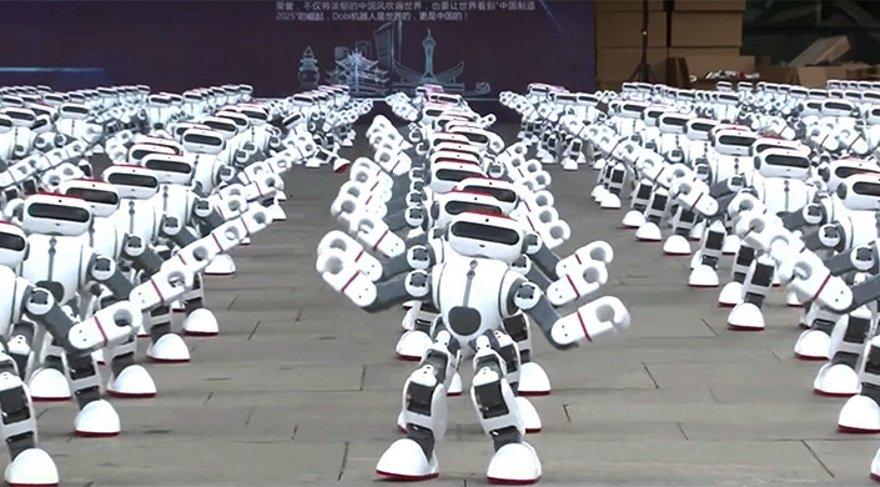 1.069 robot aynı anda dans ederek dünya rekoru kırdı!