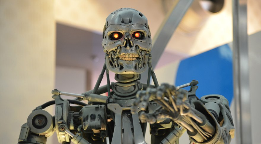 Elon Musk'tan BM'ye katil robot uyarısı