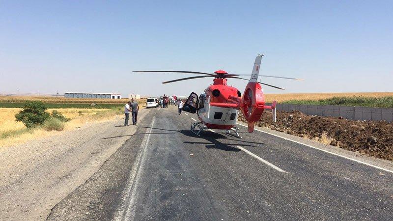 FOTO:İHA - Yaralı askerler ambulans helikopterle hastaneye sevk edildi.