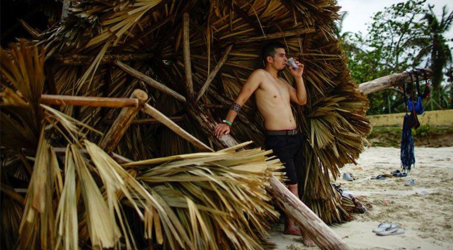 Kasırgaya rağmen, Kübalılar hayatta oldukları için mutlu