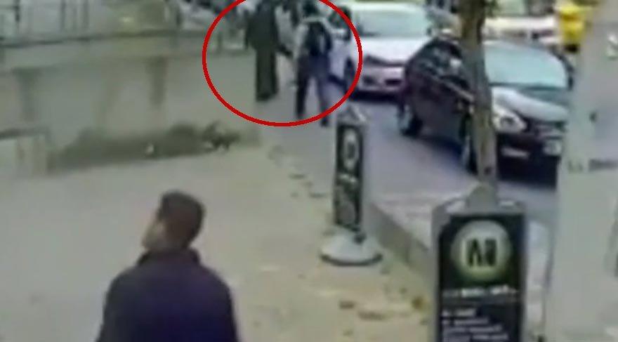Kadına şiddet kameralarda: Önce omuz attı sonra yumrukladı