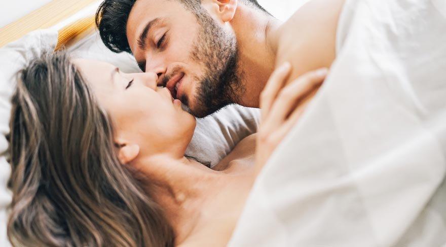 Korunmasız cinsel ilişki, AIDS hastalığının en çok bulaşma sebebi olarak gösteriliyor