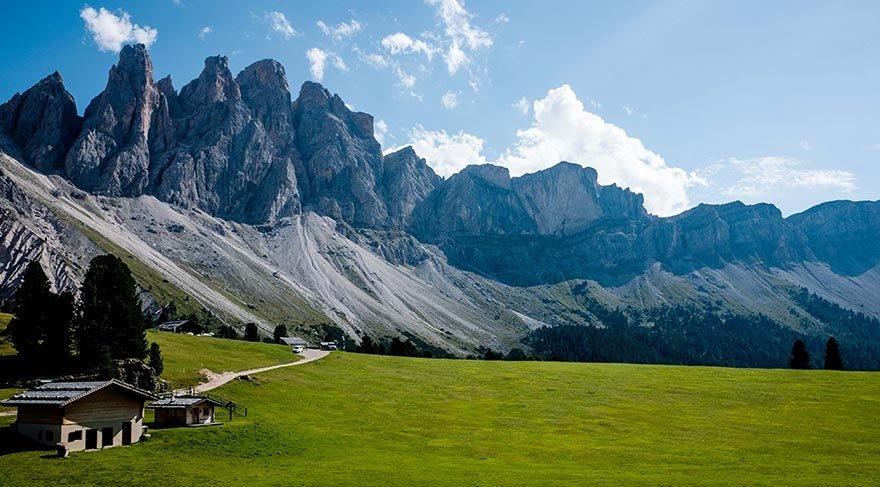 Alpler'de doğa harikası yürüyüş rotası